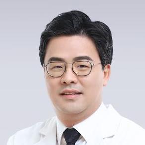 キム・ジュンヒョン院長 大韓民国 整形外科専門医
