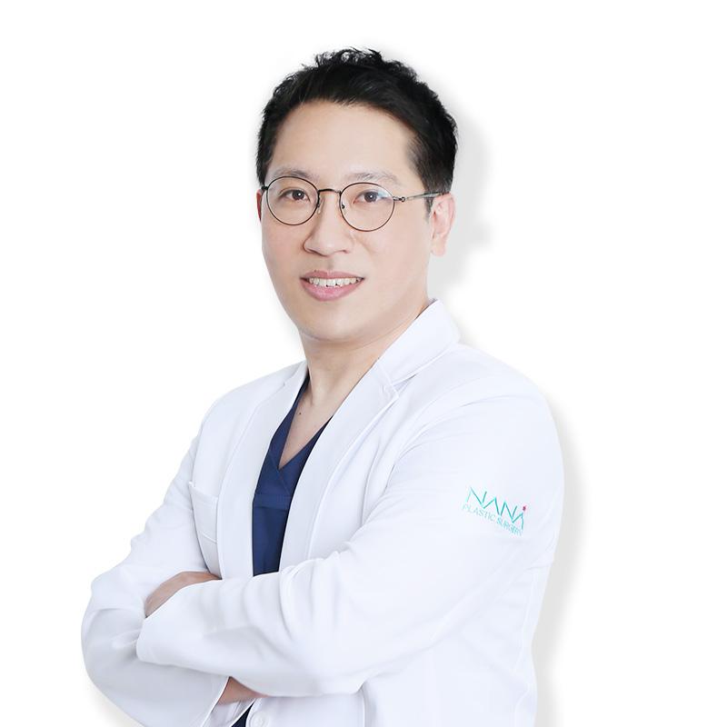 キム・ユンホ院長