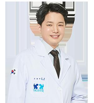 ソ・ヒョンウ院長先生