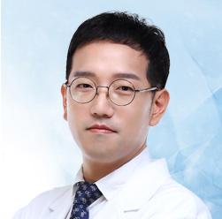 イ・ジュンヒ院長 大韓民国 整形外科専門医